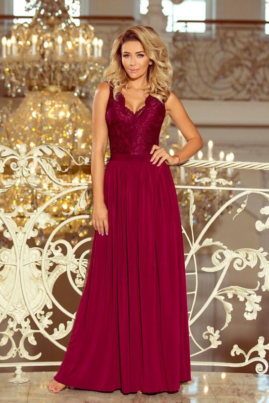 Dlouhé dámské šaty v bordó barvě bez rukávů, s krajkovým výstřihem model 6710856