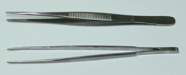 Pinzeta anatomická jemná 13 cm